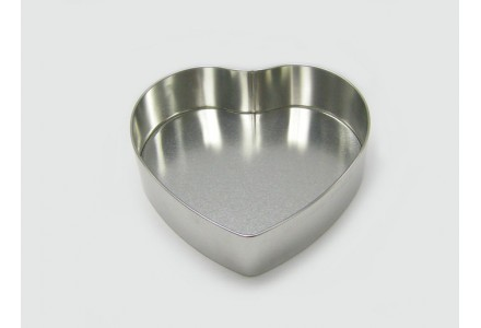T3444 - Large Heart Shaped Tin